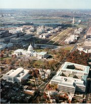 Aerial photo of Washington, DC (looking WSW, roughly along the National Mall)