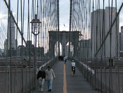 View from the pedestrian path of the Brooklyn Bridge (2002)